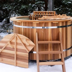 Red Cedar Royal Hot-Tub With Internal Furnace